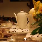 Nostalgische Kaffeetafel im Trauzimmer